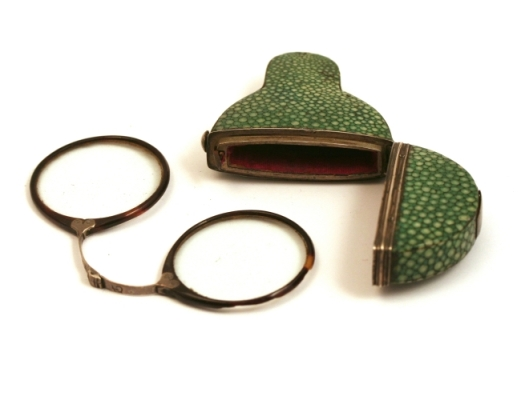 Spectacles with tortoise shell and silver rims and a shagreen case, c. 1770 via http://susanewington.blogspot.hu/2012_05_01_archive.html